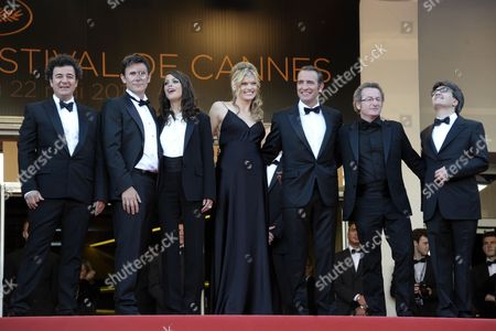 French Director Michel Hazanavicius (2-l) Us Actress Missi Pyle (c) French Actress Berenice Bejo (3-l) French Actor Jean Dujardin (3-r) French Cinematographer Guillaume Schiffman (2-r) French Producer Thomas Langmann (r) and Guest Arrive For the Screening of 'The Artist' During the 64th Cannes Film Festival in Cannes France 15 May 2011 the Movie by Michel Hazanavicius is Presented in the Official Competition of the Film Festival Running From 11 to 22 May Epa/christophe Karaba France Cannes