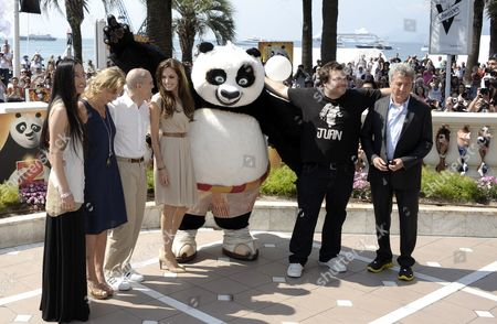 (l-r) Korean Director Jennifer Yuh Producer Melissa Cobb Ceo of Dreamworks Animation Jeffrey Katzenberg Us Actors Angelina Jolie Jack Black and Dustin Hoffman Pose with Po the Panda As They Attend the Photocall of 'Kung Fu Panda 2' During the 64th Cannes Film Festival in Cannes France 12 May 2011 the Movie by is Presented During the Film Festival Running From 11 to 22 May France Cannes