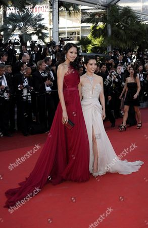 Miss China World 2007 Zhang Zilin (l) and Chinese Actress Li Bingbing (r) Arrive For the Screening of 'The Tree of Life' During the 64th Cannes Film Festival in Cannes France 16 May 2011 the Movie by Us Director Terrence Malick is Presented in the Official Competition of the Film Festival Running From 11 to 22 May France Cannes