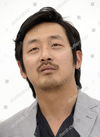 Korean Actor Ha Jung-woo Poses During the Photocall For 'The Murderer/the Yellow Sea' at the 64th Cannes Film Festival in Cannes France 18 May 2011 the Movie by Korean Director Na Hong-jin is Presented in the 'Un Certain Regard' Section of the Film Festival Running From 11 to 22 May France Cannes