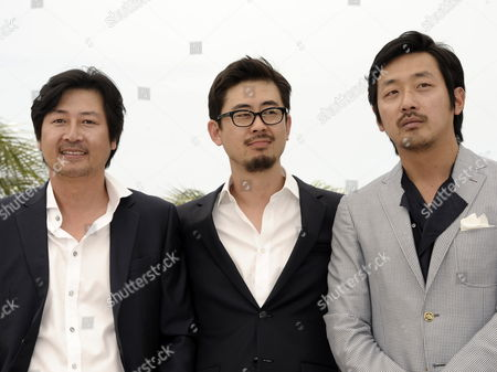 (l-r) Korean Actor Kim Yun-seok Director Na Hong-jin and Actor Ha Jung-woo Pose During the Photocall For 'The Murderer/the Yellow Sea' at the 64th Cannes Film Festival in Cannes France 18 May 2011 the Movie by Na Hong-jin is Presented in the 'Un Certain Regard' Section of the Film Festival Running From 11 to 22 May France Cannes