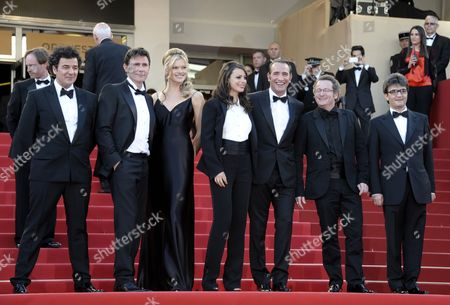 French Director Michel Hazanavicius (2-l) Us Actress Missi Pyle (3-l) French Actress Berenice Bejo (c) French Actor Jean Dujardin (3-r) French Cinematographer Guillaume Schiffman (2-r) French Producer Thomas Langmann (r) and Guest Arrive For the Screening of 'The Artist' During the 64th Cannes Film Festival in Cannes France 15 May 2011 the Movie by Michel Hazanavicius is Presented in the Official Competition of the Film Festival Running From 11 to 22 May Epa/christophe Karaba France Cannes