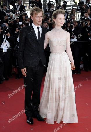 Us Actor Henry Hopper (l) and Australian Actress Mia Wasikowska (r) Arrive For the Screening of 'The Tree of Life' During the 64th Cannes Film Festival in Cannes France 16 May 2011 the Movie by Us Director Terrence Malick is Presented in the Official Competition of the Film Festival Running From 11 to 22 May France Cannes
