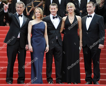 (l-r) Us Actor Mel Gibson Us Actress and Director Jodie Foster Screenwriter Kyle Killen His Wife Laura Allen and Us Producer Keith Redmon Arrive For the Screening of 'The Beaver' During the 64th Cannes Film Festival in Cannes France 17 May 2011 the Movie by Jodie Foster is Presented out of Competition at the Film Festival Running From 11 to 22 May France Cannes
