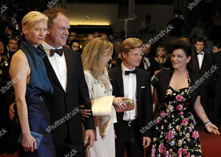 Producer Luc Roeg (2-r) Us Actor John C Reilly (2-l) British Actress Tilda Swinton (l) British Director Lynne Ramsay (r) and Guest Arrive For the Screening of 'We Need to Talk About Kevin' During the 64th Cannes Film Festival in Cannes France 12 May 2011 the Movie by Lynne Ramsay is Presented in the Official Competition of the Film Festival Running From 11 to 22 May France Cannes
