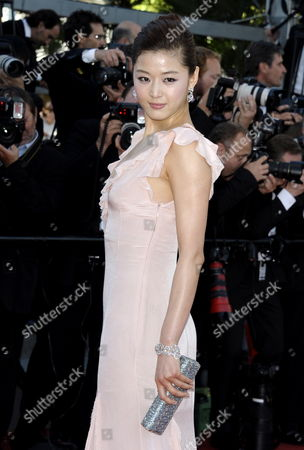 South Korean Actress Gianna Jun Arrives For the Screening of 'The Artist' During the 64th Cannes Film Festival in Cannes France 15 May 2011 the Movie by French Director Michel Hazanavicius is Presented in the Official Competition of the Film Festival Running From 11 to 22 May France Cannes