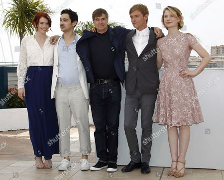 (l-r) Us Actress and Producer Bryce Dallas Howard Us Screenwriter Jason Lew Us Director Gus Van Sant Us Actor Henry Hopper and Australian Actress Mia Wasikowska Pose During the Photocall For 'Restless' at the 64th Cannes Film Festival in Cannes France 13 May 2011 the Movie by Gus Van Sant is Presented in the 'Un Certain Regard' Section of the Film Festival Running From 11 to 22 May France Cannes