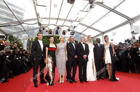 (l-r) Jury Members British Actor Jude Law Hong Kong Producer Nansun Shi Norwegian Writer Linn Ullmann Hong Kong Director Johnnie to Us Director Robert De Niro Us Actress Uma Thurman Chadian Director Mahamat Saleh Haroun and Argentine Actress Martina Gusman Arrive For the Screening of 'Midnight in Paris' and the Opening Ceremony of the 64th Cannes Film Festival in Cannes France 11 May 2011 Presented out of Competition the Movie by Woody Allen Opens the Film Festival Running From 11 to 22 May France Cannes