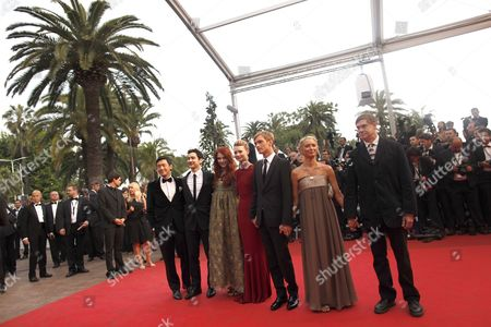 Us Director Gus Van Sant (r) Screenwriter Jason Lew (l) Australian Actress Mia Wasikowska (c) Us Producer Bryce Dallas Howard (3-l) and Actor Henry Hopper (3-r) Arrive For the Screening of 'Sleeping Beauty' During the 64th Cannes Film Festival in Cannes France 12 May 2011 the Movie by Australian Director Julia Leigh is Presented in the Official Competition of the Film Festival Running From 11 to 22 May France Cannes