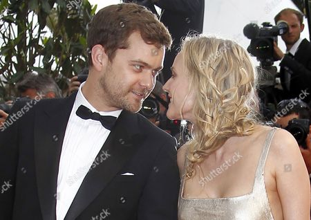 Us Actor Joshua Jackson (l) and Girlfriend German Actress Diane Kruger (r) Arrive For the Screening of 'Sleeping Beauty' During the 64th Cannes Film Festival in Cannes France 12 May 2011 the Movie by Australian Director Julia Leigh is Presented in the Official Competition of the Film Festival Running From 11 to 22 May France Cannes