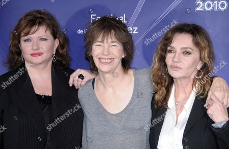 French Actress Catherine Jacob (l) British Actress Jane Birkin (c) and French Actress Caroline Cellier (r) Pose During the Photocall For Their Film 'Thelma Louise Et Chantal' at the 13th Alpe D'huez Film Festival in L'alpe D'huez France 20 January 2010 the Movie by Director Benoit Petre is Presented out of Competition at the Festival Running Until 24 January France L'alpe D'huez