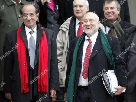 French Economist Jean-paul Fitoussi (l) and Nobel Prize of Economy Laureate Joseph Stiglitz (r) of the Us Leave the Elysee Palace in Paris France 06 January 2011 After a Working Lunch with French President Nicolas Sarkozy and International Economists to Prepare the G20 Meeting French President Has Set As G20 Priorities a Major Overhaul of the Global Economy's Infrastructure Including a Reforming the Monetary System and Ending Excessive Price Swings in Commodity Markets As Well As Improving Economic Governance France Paris