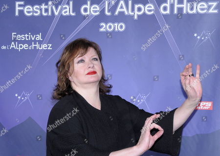 French Actress Catherine Jacob Attends the Photocall During the 13th L'alpe D'huez Film Festival in L'alpe D'huez France 19 January 2010 France L'alpe D'huez