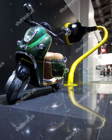 Motor Scooter Stock Photos Editorial Images And Stock Pictures