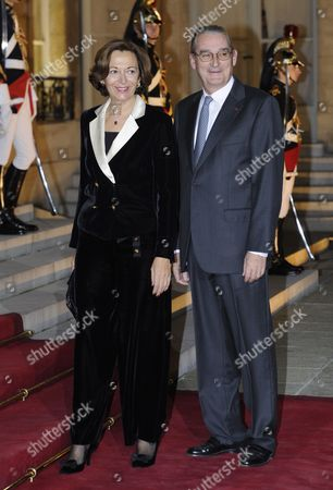 French Junior Minister For External Commerce Anne-marie Idrac Arrives with Her Husband Francis to the Gala Dinner Hosted by President Nicolas Sarkozy and First Lady Carla Bruni Sarkozy to Honor Chinese President Hu Jintao and Chinese First Lady Liu Yongqing at Elysee Palace in Paris France 04 November 2010 President Hu Jintao Started Today a 3 Days State Visit to France Accompanied by His Wife Liu Yongqing France Paris