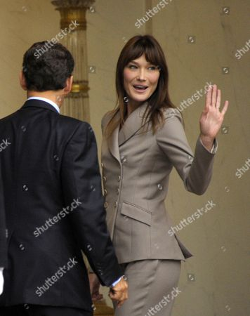 French President Nicolas Sarkozy (l) and First Lady Carla Bruni Sarkozy (r) Bid Farewell to Princess Victoria of Sweden and Her Husband Prince Daniel at Elysee Palace in Paris France 28 September 2010 at the End of Their Meeting on the Third Day of the Royal Couple's Official Visit to France Crown Princess Victoria and Prince Daniel Westling Are on a Four-day Official Visit in France France Paris