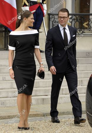 Princess Victoria of Sweden (l) and Her Husband Prince Daniel (r) Leave Elysee Palace in Paris France 28 September 2010 at the End of Their Meeting on the Third Day of the Royal Couple's Official Visit to France Crown Princess Victoria and Prince Daniel Westling Are on a Four-day Official Visit in France France Paris