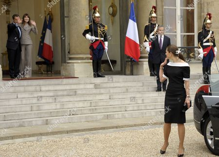French President Nicolas Sarkozy (l) and First Lady Carla Bruni Sarkozy (2-l) Bid Farewell to Princess Victoria of Sweden (r) at Elysee Palace in Paris France 28 September 2010 at the End of Their Meeting on the Third Day of the Royal Couple's Official Visit to France Crown Princess Victoria and Prince Daniel Westling Are on a Four-day Official Visit in France France Paris