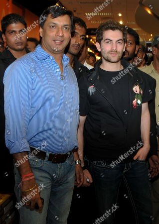 Indian Bollywood Actor Neil Nitin Mukesh (r) with Bollywood Director Madhur Bhandarkar Attend a Function During the Promotional Event of Their Upcoming Film 'Jail' in Southern Indian City of Bangalore on 23 October 2009 India Bangalore