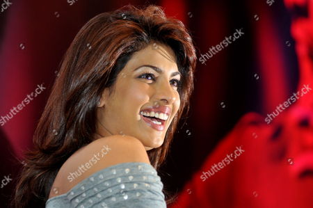Bollywood Actress Priyanka Chopra Smiles During a Promotional Event For Her New Movie 'Kaminey' Directed by Vishal Bhardwaj in the Southern Indian City of Bangalore 12 August 2009 India Bangalore
