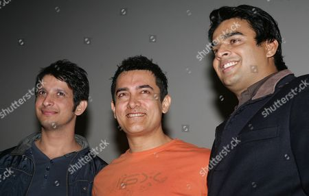 (l-r) Bollywood Actors Sharman Joshi Amir Khan and Madhavan Attend a Press Conference to Promote His New Movie 'Three Idiots' in Calcutta India 31 December 2009 the Film Directed by Rajkumar Hirani Has Been Released on 25 December 2009 in India India Calcutta
