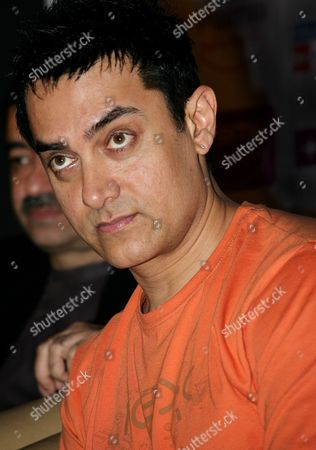 Bollywood Actor Amir Khan Attends a Press Conference to Promote His New Movie 'Three Idiots' in Calcutta India 31 December 2009 the Film Directed by Rajkumar Hirani Has Been Released on 25 December 2009 in India India Calcutta
