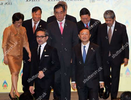 Asean Plus Three Foreign Ministers Walk Before Meeting Session at Nusa Dua Bali Indonesia 21 July 2011 Indonesia Host the 44th Asean Ministerial Meeting (amm) Post Ministerial Conference (pmc) and 18th Asean Regional Forum (arf) From 19 to 23 July (from R-l) Brunei Darussalam Foreign Minister Prince Mohamed Bolkiah Cambodia's Secretary of State Kao Kim Hourn China's Foreign Minister Yang Jiechi Japan Foreign Minister Takeaki Matsumoto Indonesian Foreign Minister Marty Natalegawa Vietnam Foreign Minister Pham Gia Khiem Thailand's Deputy Permanent Secretary For Foreign Affairs Chitriya Pinthong Indonesia Nusa Dua