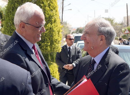 Chief Palestinian Negotiator Saeb Erekat (l) Greets Us Middle East Peace Envoy George J Mitchell Before His Meeting with Palestinian President Mahmoud Abbas in Amman Jordan on 22 March 2010 Mitchell Met in Jerusalem Yesterday 21 March with Israeli Prime Minister Benjamin Netanyahu Kicking Off the 'Indirect Talks' Meant to Lead to Direct Talks with the Palestinian Side Atfter a Break of a Week Due to the Controversary Over Israel's Expansion Building Plans For Arab East Jerusalem Jordan Amman