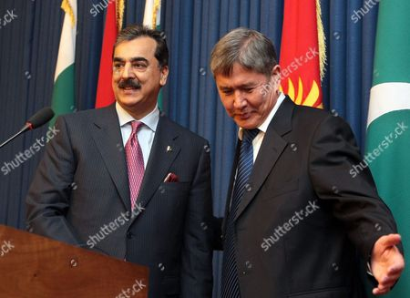 Pakistan's Prime Minister Yousaf Raza Gillani (l) and Kyrgyzstan's Prime Minister Almazbek Atambayev (r) Attend a Joint Press Conference Following Their Talks in Bishkek Kyrgyzstan 15 March 2011 Yousaf Raza Gillani is on an Official Visit in Kyrgyzstan Kyrgyzstan Bishkek