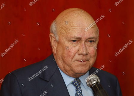 Former South African President F W De Klerk Speaks at a Press Conference in Cape Town South Africa 16 April 2009 South Africans Head to the Polls On 22 April 2009 to Vote For a New President and Parliament