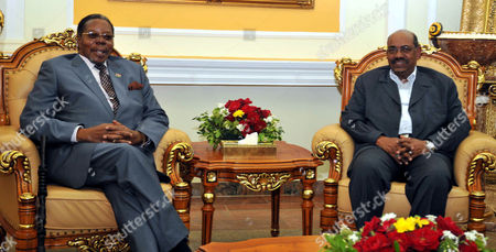 Sudanese President Omar Hassan Al-bashir (r) Meets with the Malawian President and African Union (au) Chairperson Bingu Wa Mutharika (l) in Khartoum Sudan 26 January 2011 Mutharika Arrived in Sudan 26 January on a Two-day Official Visit to the Country Sudan Khartoum