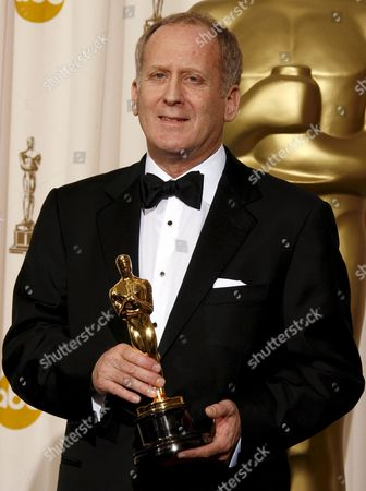 Us Cinematographer Robert Elswit Holds His Oscar For Achievement in Cinematography For 'There Will Be Blood' at the 80th Annual Academy Awards at the Kodak Theatre in Hollywood California Usa 24 February 2008