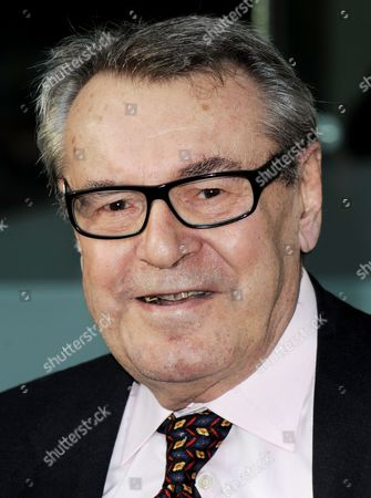 Czech Director Milos Forman Arrives For the Film Society of Lincoln Center's 2010 Chaplin Award Gala Honoring Award-winning Actor and Producer Michael Douglas in New York New York Usa on 24 May 2010 United States New York