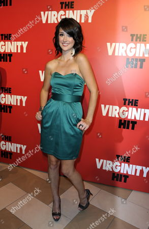 Us Actor and Cast Member Nicole Weaver Arrives For a Special Screening of 'The Virginity Hit' in Los Angeles California Usa 07 September 2010 'The Virginity Hit' is the Story of Four Guys with a Camera Chronicilling Their Experience of Losing Their Virginity United States Los Angeles