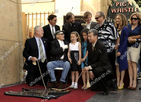 (l-r) Tom Lebonge Us Producer Mark Canton Us Actor Viggo Mortensen Dennis Hopper Daughter Galen Hopper Granddaughter Violet Goldstone Son Henry Lee Hopper Jack Nicholson Leron Gubler and Daughters Ruthanna and Marin Hopper Pose As Dennis Hopper Receives the 2 403rd Star on the Hollywood Walk of Fame During Ceremony in Hollywood California Usa 26 March 2010 Two-time Oscar Nominated Actor and Director Dennis Hopper Has Appeared in Over 140 Television Shows and Over 150 Films Hopper is Suffering From Advanced Prostate Cancer United States Hollywood