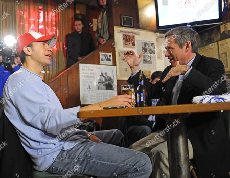 Stock Image of Us Senator Elect Mark Kirk of Illinois (r) Gets Together with His Democratic Opponent Alexi Giannoulias (l) For a Beer and a Burger at the Billy Goat Tavern in Chicago Illinois Usa 03 November 2010 Kirk and Giannoulias Held Hard Fought Campaigns with Numerous Accusations and Allegations Hurled in Both Directions the Get-together was Offered by Kirk in His Acceptance Speech on 02 November After Giannoulias Conceded Defeat United States Chicago