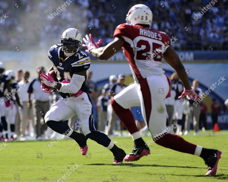 San Diego Chargers Running Back Ryan Matthews (l) Outruns Arizona Cardinals Kerry Rhodes (r) to the End Zone to Score His First Touchdown As a Professional During Third Quarter Action in San Diego California Usa 03 October 2010 the Chargers Beat the Cardinals 41-10 United States San Diego