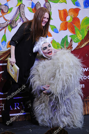 Us Actress Julianne Moore (l) Laughs with a Hasty Pudding Theatricals Cast Member Dressed As a Lamb During the Roast Session of the 2011 Hasty Pudding Theatricals Woman of the Year Award Presentation in Cambridge Massachusetts Usa 27 January 2011 the Woman of the Year Award is Presented Annually to a Performer who Has Made a 'Lasting and Impressive Contribution to the World of Entertainment and Hathaway Joins Other Past Honorees Including Meryl Streep Katharine Hepburn Julia Roberts Jodie Foster Meg Ryan and Most Recently Anne Hathaway United States Cambridge