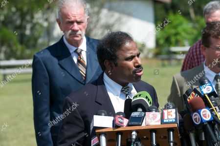 Dr K a Paul of the Global Peace Initiative Speaks to the Press About the Planned Negotiations with Imam Feisal Abdul Rauf of New York City in Gainesville Florida Usa 10 September 2010 Jones is Leader of a Small Protestant Church Which Campaigns Against what It Calls 'Radical Islam ' Since Jones Announced the Cancellation of the Koran Burning Event in Exchange For the Movement of the Location of the Mosque Near Ground Zero in New York City There Has Been Much Confusion Over the Details of the Agreement United States Gainesville