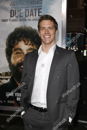 Us Writer Adam Sztykiel Arrives at the Us Premiere of 'Due Date' at the Grauman's Chinese Theater in Los Angeles California Usa 28 October 2010 High-strung Father-to-be Peter Highman is Forced to Hitch a Ride with Aspiring Actor Ethan Tremblay on a Road Trip in Order to Make It to His Child's Birth on Time United States Los Angeles