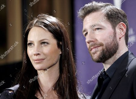 Us Model Christy Turlington (l) and Us Actor Ed Burns (r) Appear in the Press Room During the Rock and Roll Hall of Fame Induction Ceremony in New York New York Usa On 10 March 2008 During the Ceremony Madonna John Mellencamp Leonard Cohen the Dave Clark Five and the Ventures Were Inducted Into the Musical Institution Which is Located in Cleveland Ohio