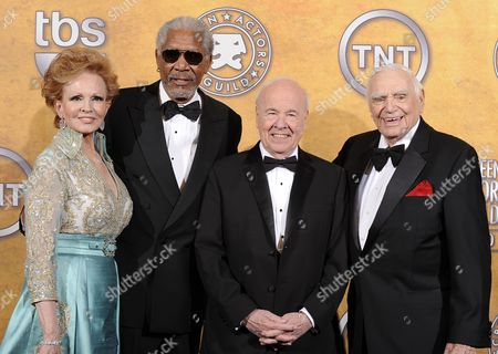 Us Actors Ernest Borgnine (r) His Wife Tova Borgnine (l) Morgan Freeman (2-l) and Tim Conway Pose For Photographers After Borgnine was Given His Lifetime Achievement Award at the 17th Annual Screen Actors Guild Awards Held at Shrine Auditorium in Los Angeles California Usa 30 January 2011 United States Los Angeles