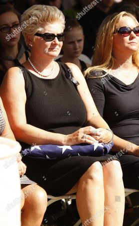 Jill Vandenberg Pays Final Respects at Services For Her Husband American Film Actor Tony Curtis During His Memorial at Palm Mortuary in Las Vegas Usa 04 October 2010 the 85 Year Old Curtis Died at His Home of Cardiac Arrest on 29 September 2010 United States Henderson