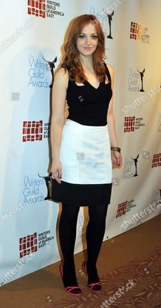 Us Actress Abby Elliot Poses For Photographers During the 62nd Annual Writer's Guild Awards in New York Usa 20 February 2010 the Writers Guild Awards Recognizes Outstanding Achievement in Film Television Radio News Promotional Writing and Graphic Animation United States New York