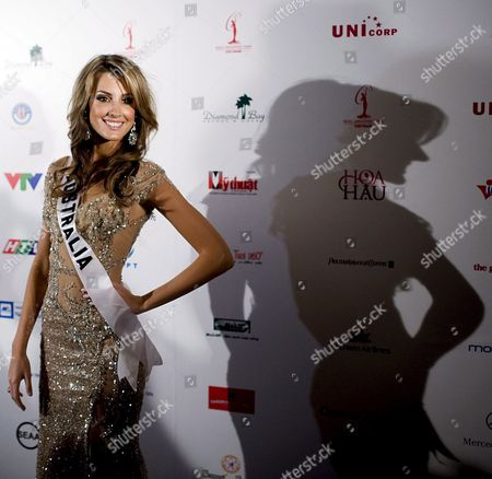 Miss Australia Laura Dundovic 21 Arrives at the Caravelle Hotel For the Miss Universe 2008 Pageant in Ho Chi Minh City Vietnam 20 June 2008 the Contest Will Be Held On 14 July 2008 in Vietnam