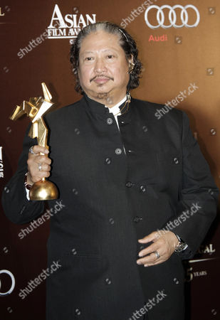 Hong Kong Actor Sammo Hung Kam-po Poses After Winning the Best Supporting Actor Award in His Move 'Ip Man 2' at the 5th Asia Film Awards in Hong Kong China 21 March 2011 As Part of the 35th Hong Kong International Film Festival (hkiff) the Festival Runs From 20 March to 05 April 2011 China Hong Kong