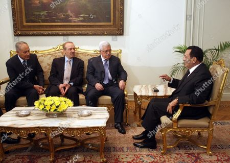Egypt's President Hosni Mubarak (r) Talks with Palestinian President Mahmoud Abbas (2nd R) As Senior Palestine Liberation Organization Official Yasser Abed Rabbo (2nd L) and Egyptian Foreign Minister Ahmed Aboul Gheit (l) Listen During Their Meeting in Cairo Egypt 21 November 2010 Both Leaders Held Talks About the Middle East Peace Process Egypt Cairo