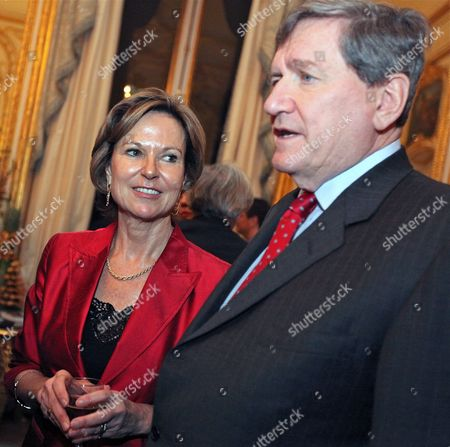 Us Special Envoy For Pakistan and Afghanistan Richard Holbrooke (r) and His Wife Kati Marton (l) Attend a Reception in the Us Embassy in Paris France 19 January 2010 the Embassy Hosted a Reception in Honor of Holbrooke's Wife Journalist and Author Kati Marton who is Releasing a New Book Entitled 'Hidden Power' About Us First Ladies France Paris