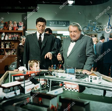 'The Saint'   - 'The Man Who Liked Toys' Maurice Kaufmann and John Bascombe