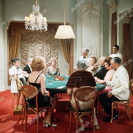 'The Saint' TV - 1969 - The Ex-King of Diamonds - Stuart Damon (far left)